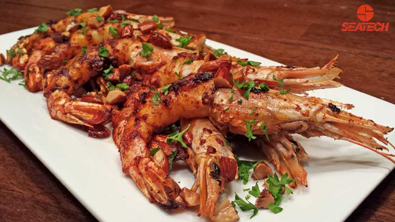 Smoked paprika Argentine red shirmp with roasted crushed almonds and ...